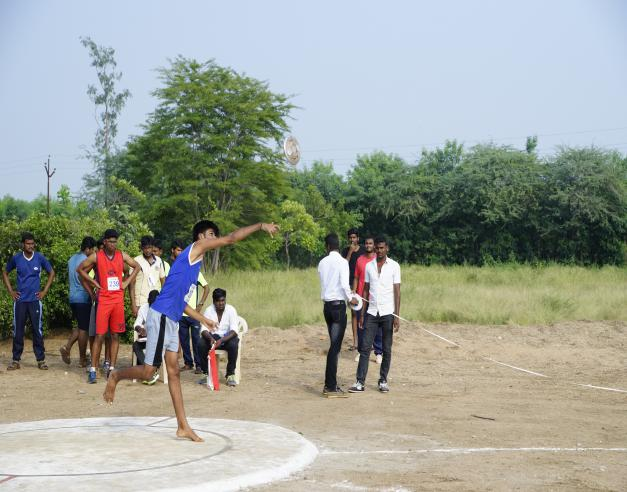 Discuss Throw (Boys) - State Level Intercollegiate Sports Meet Sponsored by The Tamil Nadu Dr. MGR Medical University, Chennai, on 08 - 10 Dec 2017